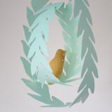 나뭇잎 리스와 새 페이퍼 모빌