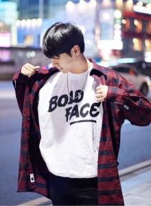 남자 여자 볼드 오버핏 맨투맨 티셔츠 2color