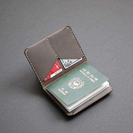 MAKR™ Passport Wallet