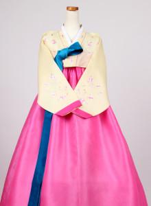 [중고][B급] 여성한복 A409 (66 사이즈) 화사하고 예쁜 전통한복